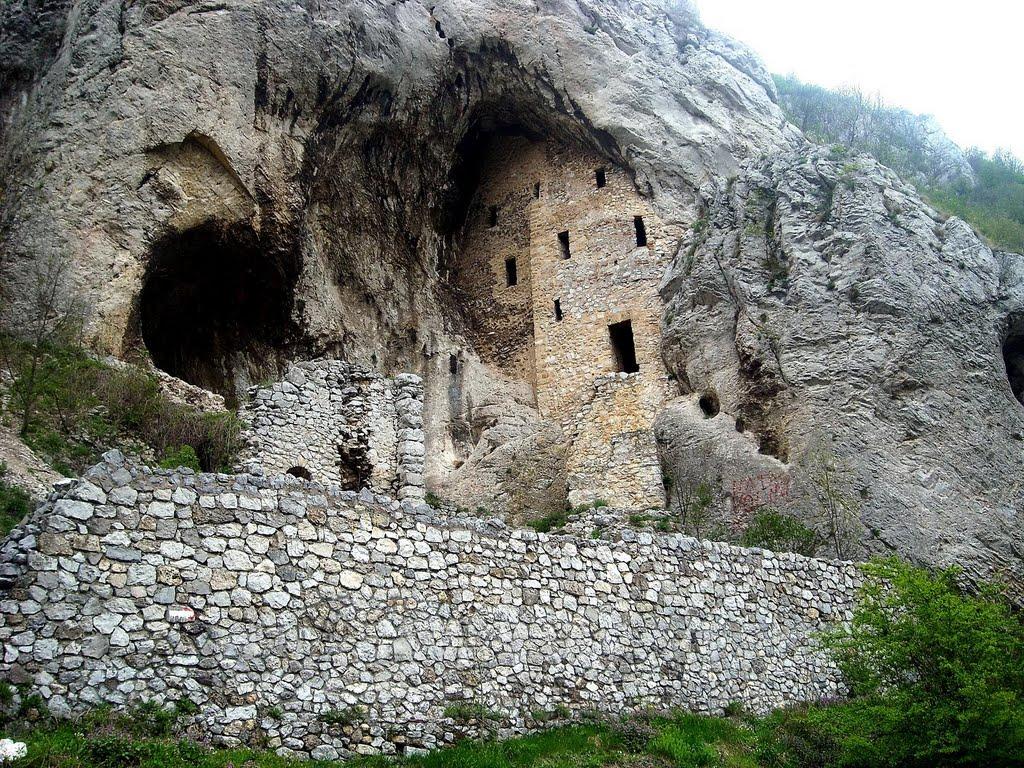 manastiri petrovac na mlavi